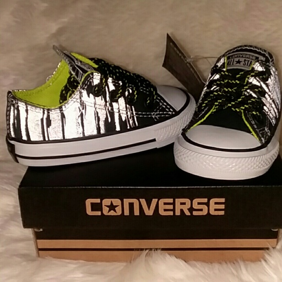 95eee45ccf47 NWT Baby Boy Converse Size 5 Black Silver Lime
